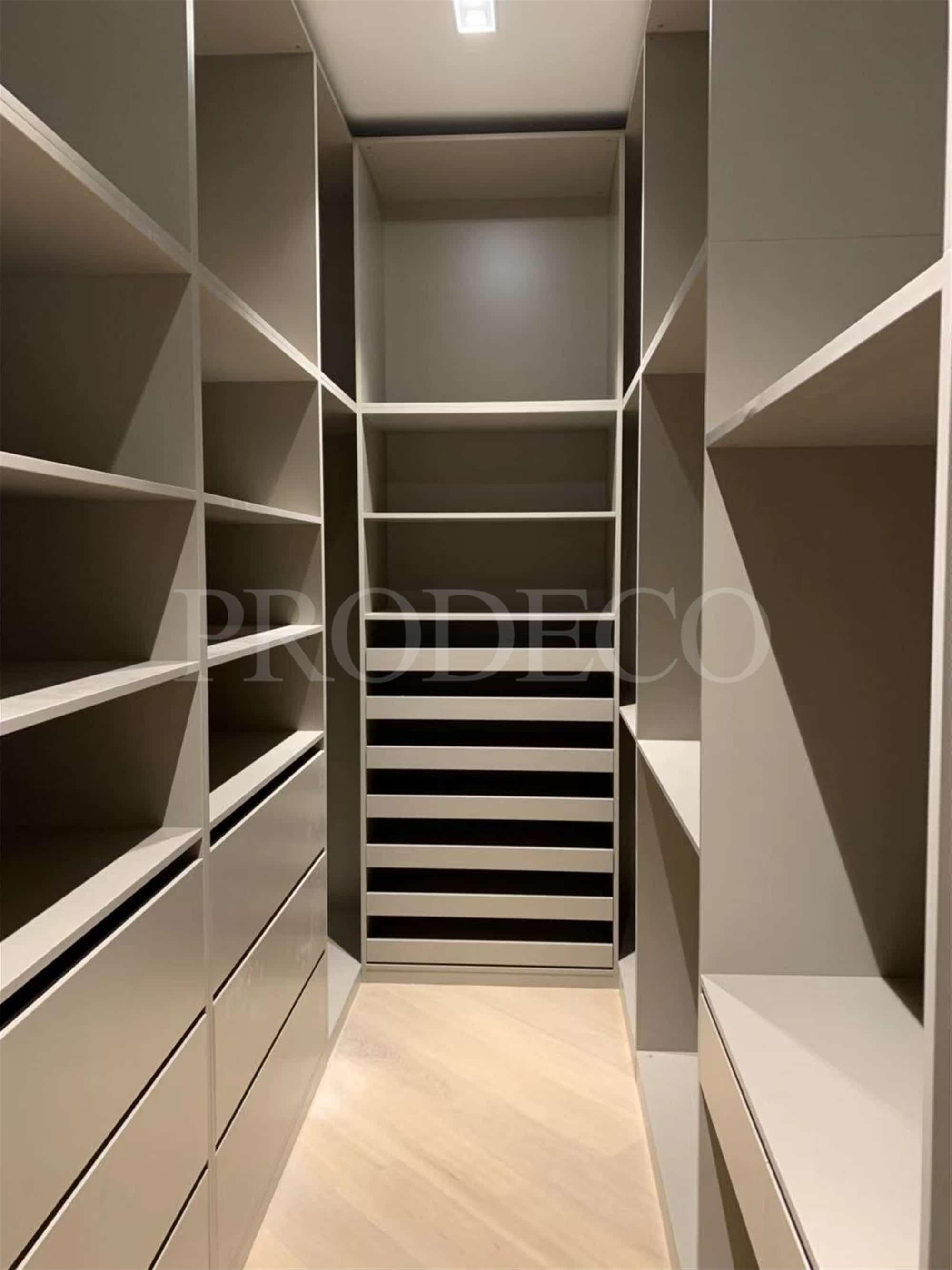 High End Lacquer wardrobe (2)
