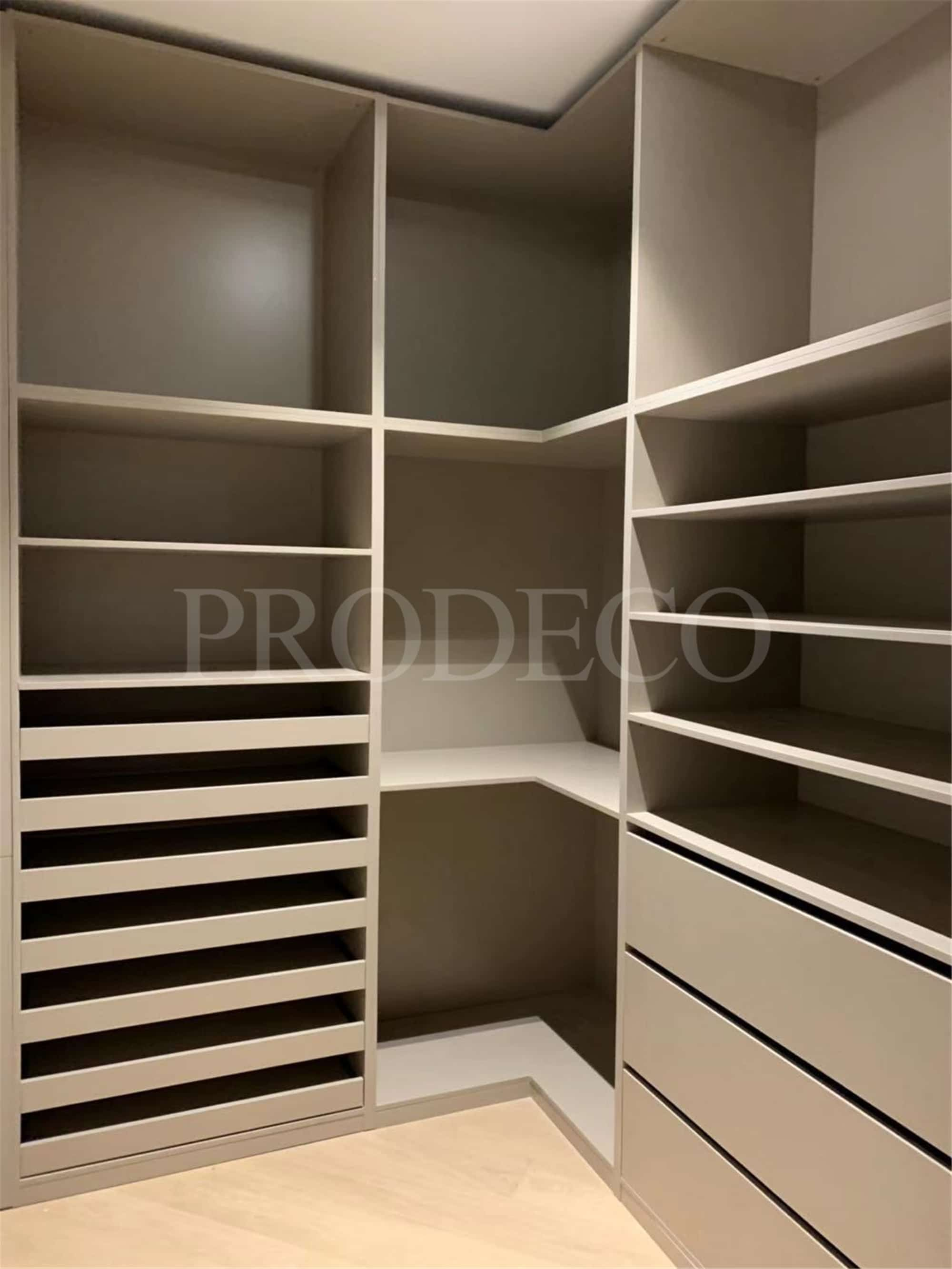 High End Lacquer wardrobe (2)
